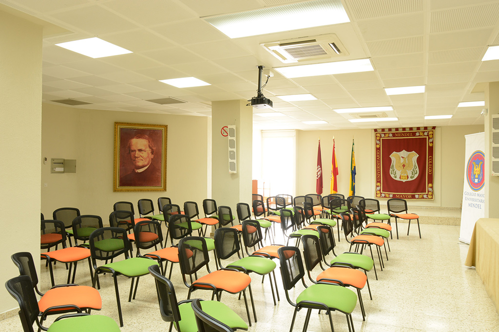 Sala de Conferencias Colegio Mayor Mendel
