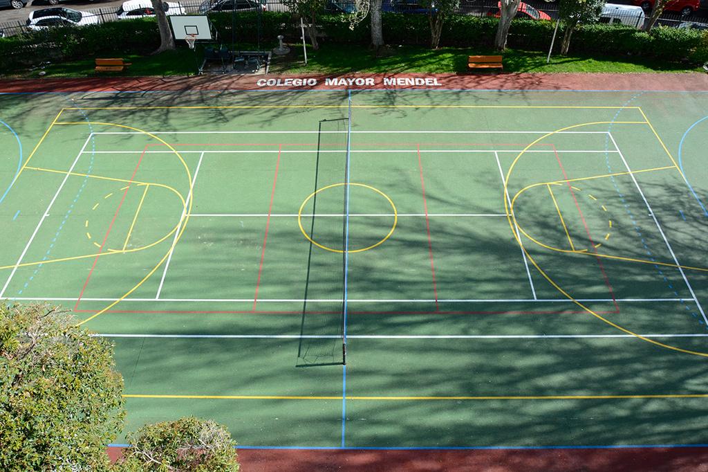 Pista polideportiva Colegio Mayor Mendel